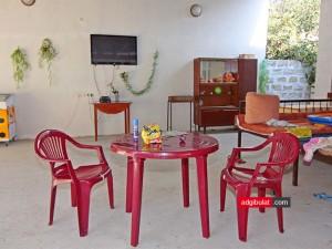 Тапчаны и телевизор гостиница Аджи-Булат