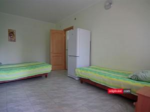 Трехместный номер в гостинице Аджи-Булат